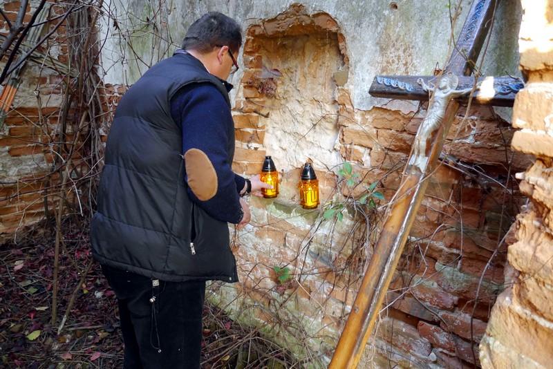 Zapalenie symbolicznych zniczy apel w sprawie kaplicy w Prusach lwowskich brzeg24pl 8