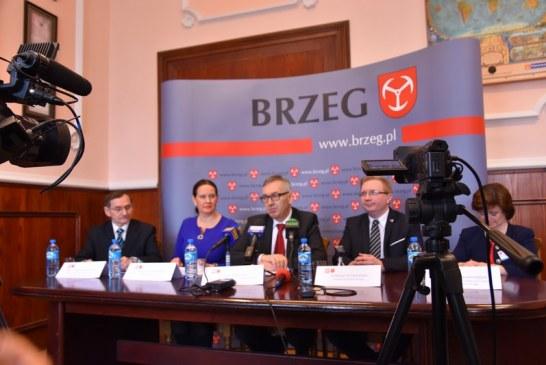 Pierwsze podsumowanie programu 500 plus w Brzegu. Rodziny otrzymały blisko 4 miliony złotych
