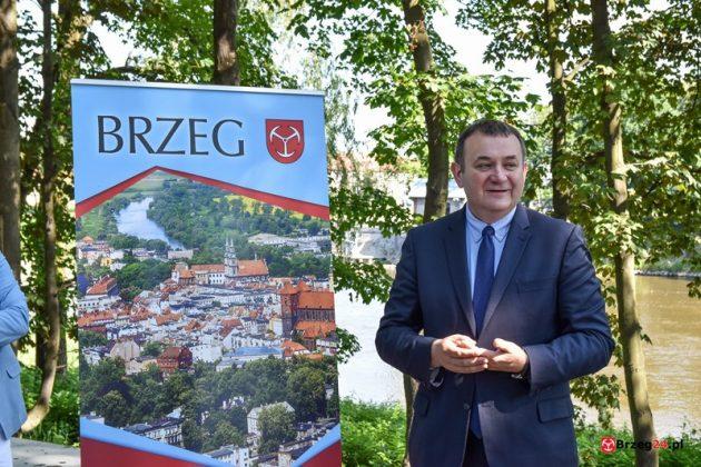 Honorowy Obywatel Brzegu