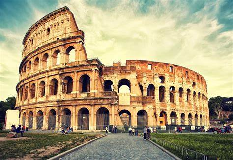 Urodziny Rzymu, czyli Parilia - świeckie uroczystości związane z założenia miasta Rzymu. Według legendy, opowiadanej przez Marka Terencjusza Warrona, Romulus założył miasto Rzym w dniu 21 kwietnia 753 pne.