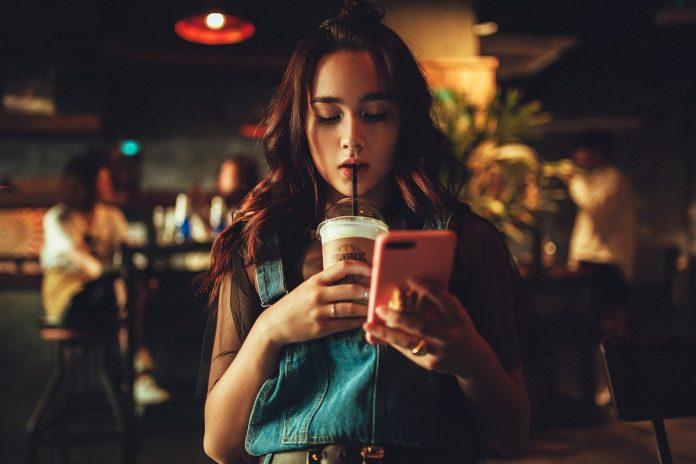 bank smartfon